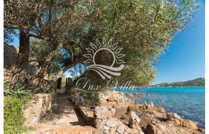 """Вилла """"Искейп"""" в Порто Черво первая линия выход к пляжу Пикколо Певеро"""