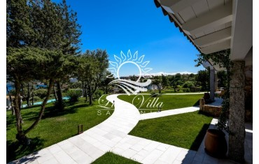 Аренда элитной виллы на Сардинии с большим садом